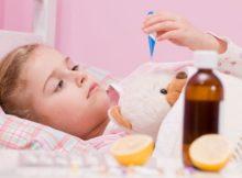 Kašalj u djece treba olakšati, a nikako suzbijati